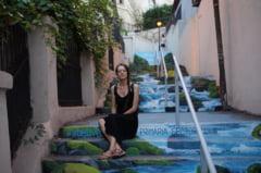 Exista in Bucuresti o strada unde trecatorilor le e mila sa calce - Interviu cu artista care a pictat-o
