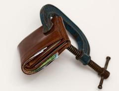 Expert economic, despre motiunea de cenzura: De dragul pensiilor, Romania va fi impinsa intr-o criza economica severa, unde euro va trece de 5 lei