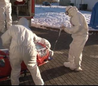 Explicatiile ISU dupa ce au scapat pe jos pacienta de la Suceava, suspectata de coronavirus