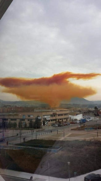 Explozie de proportii in Barcelona - oameni raniti si un nor toxic