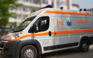 Explozie in judetul Bacau: un tanar a murit si doi barbati sunt raniti, dupa ce un muncitor a lovit un proiectil din Al Doilea Razboi Mondial