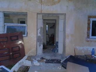Explozie la o manastire din Constanta. Un preot si un calugar au fost raniti