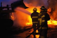 Explozie urmata de un incendiu puternic, in Prahova