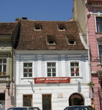 Expozitia Mari aviatori brasoveni va fi deschisa la Muzeul Casa Muresenilor
