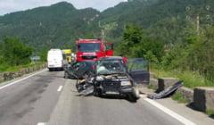 FOTO - Accident pe Valea Oltului intre Brezoi si Caineni. Atentie cu circulati pe DN7!