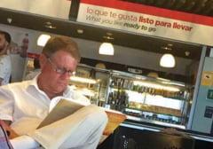 FOTO - Klaus Iohannis acuzat ca a mintit cand a spus ca merge in concediu in Germania