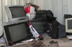 FOTO: Clujenii scapa de aparatele electrice si electronice uzate. Ce au dus la centrele de colectare DEE