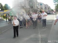 FOTO: Defilari pe strazile Cugirului si concert de fanfara, la finalul Taberei de vara din Poiana cu Goruni