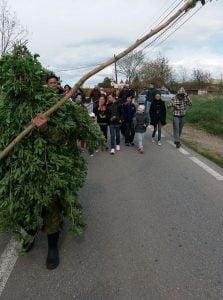 FOTO| Duminica, locuitorii din Limba si-au stropit Borboratita, ca sa aiba belsug tot anul