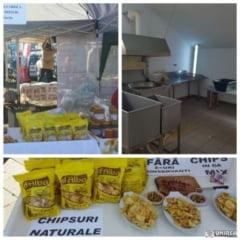 """FOTO. Dupa 16 ani de munca in strainatate, un barbat din Alba Iulia a dezvoltat o afacere cu chipsuri 100% naturale: """"Altceva in afara de cartofi, ulei si sare nu au"""""""