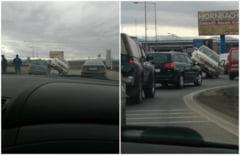 FOTO: Kama Sutra pe patru roti - Soferii sibieni, pozitii noi in trafic