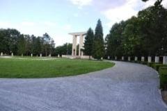 FOTO. Lucrarile de reabilitare a Campiei Libertatii din Blaj vor fi finalizate in primavara. Pavajul de piatra, executat 70%
