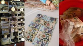 """FOTO """"Prada"""" ridicata de DNA la perchezitiile din dosarul """"fabricii de permise"""" din Suceava: Bani, bijuterii, ceasuri scumpe si masini de lux"""