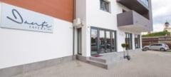 """FOTO: S-a deschis """"Dante Cafe&Dine"""" in Alba Iulia, un restaurant cochet, pozitionat la intrarea in Cetatea Alba Carolina"""