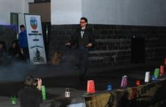 """FOTO! Show maxim la Lugoj de Ora Pamantului! Surpriza - cel mai cunoscut """"ROBOT"""" din Romania"""