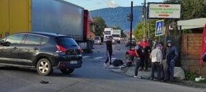FOTO Accident intre un camion si un ATV, pe DN73. Trafic blocat intre Tohanu Nou si Tohanu Vechi