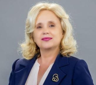 FOTO Cand Photoshop-ul da rateuri: Candidatul PSD la Primaria Iasi, mai tanar in fotografii cu ajutorul programelor de editare