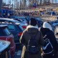 """FOTO Cozi de sute de persoane la telegondola din Sinaia. Administrator partie: """"Am cerut ajutorul Jandarmeriei"""""""