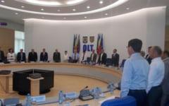 FOTO Fara emotii la constituirea Consiliului Judetean Olt. Oprescu-presedinte, Delureanu si Ciugulea - vicepresedinti. S-au suparat UNPR-istii