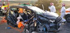 FOTO Femeie ranita grav in urma unui accident rutier produs pe DN1 intre un TIR si doua autoturisme