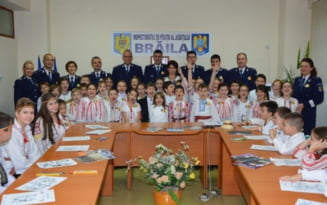 """FOTO IPJ Braila si-a deschis portile pentru elevi. Activitate sub sloganul """"Mandru ca sunt roman!"""""""