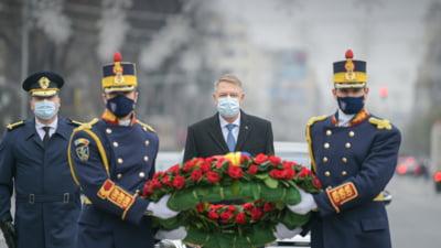 """FOTO Klaus Iohannis, la 31 de ani de la Revolutia din 1989: """"Durerea incomensurabila a pierderii persoanelor dragi a fost dublata de incapacitatea statului de de a-i trage la raspundere pe cei vinovati"""""""