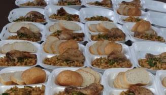 FOTO Medicii de la Spitalul Judetean de Urgenta din Ploiesti isi doneaza norma de hrana persoanelor din izolator. Insitutia a decis publicarea zilnica a meniului