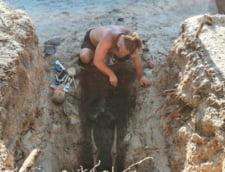 FOTO Osemintele a patru detinuti politici decedati in colonia de la Periprava, deshumate in cadrul unei campanii de cercetari arheologice