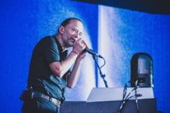 FOTO Solistul Radiohead Thom Yorke s-a casatorit cu o actrita italiana. La ceremonie au fost respectate masuri sanitare stricte
