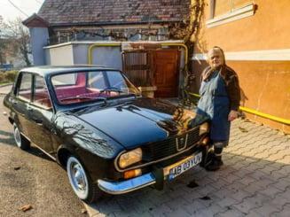 FOTO Un tanar a reparat Dacia 1300 veche de 44 de ani, cumparata de bunicul sau. Noua masina este o bijuterie pe roti
