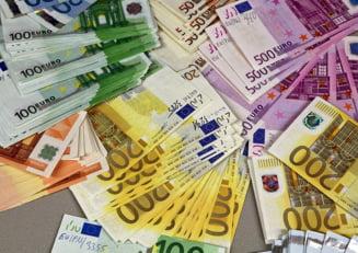 Fabrica de bani si 2,5 milioane de euro falsi gasiti langa Romania
