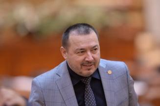 """Fara voturile Opozitiei, s-a decis noua conducere a Camerei Deputatilor. Ce functie a capatat """"Mitraliera"""""""