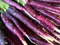 Fascinant despre fructe si legume - pepenii de designer si morcovii mov (Galerie foto)