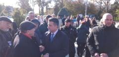 Fasole si carnati, de Ziua Nationala a Romaniei, la Constanta. Fagadau, asaltat de pensionari. VIDEO
