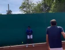 Faza saptamanii in tenis. Roger Federer l-a lovit cu mingea pe Gael Monfils direct in zona intima. Francezul a urlat de durere, spre amuzamentul Elinei Svitolina, logodnica sa VIDEO INCREDIBIL