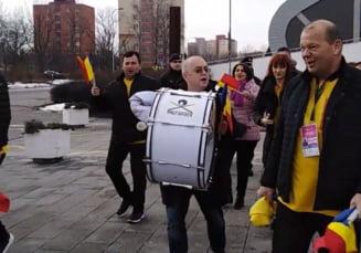 Faza zilei in Cehia: Ipostaza in care a fost surprins Emil Boc inaintea meciului de Fed Cup (Video)