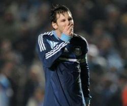 Federatia de Fotbal din Argentina: Tratam amanarea meciului cu Romania