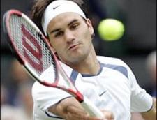 Federer, la un pas de eliminare in primul tur la Wimbledon