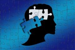 """Femeile, experte in """"camuflaj social"""", ascund mai bine decat barbatii simptomele autismului"""