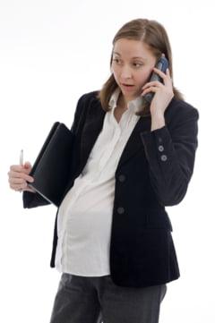 Femeile care lucreaza peste 40 de ore pe saptamana raman insarcinate mai greu