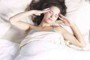 Femeile maritate dorm mai bine decat cele singure