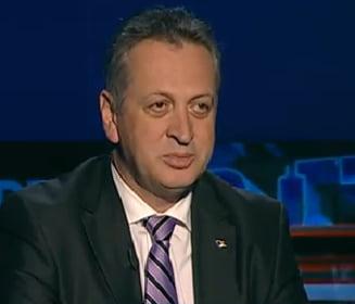 Fenechiu: Nicio banca nu mai da bani GFR dupa declaratiile lui Basescu, trebuie convocat CSAT
