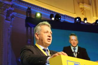 Fenechiu: Partidele nu se finanteaza doar din bani albi. Nastase a gasit forme de finantare pentru campanie