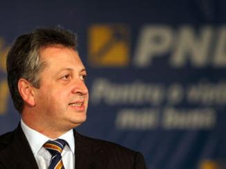 Fenechiu si Adomnitei au demisionat din BPN al PNL