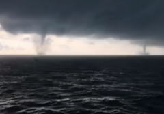 Fenomene extreme in Marea Neagra: Doua tornade marine, inregistrate simultan (Video)