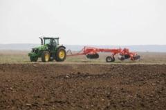 Fermierii pot sa-si ridice subventiile pe teren