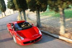 Ferrari lanseaza noul model 458 Spider - 10 romani l-au comandat deja