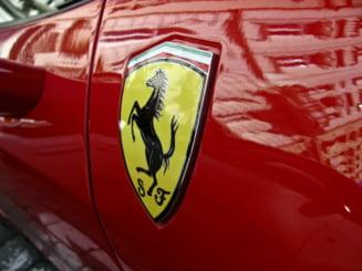 Ferrari lanseaza o linie vestimentara. Strategia pusa la punct pentru a atrage clienti noi
