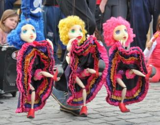 """Festivalul """"Puppets Occupy Street"""": Artisti in premiera la Earth Edition 2018!"""