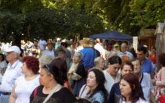 "Festivalul International al Cartii ""Axis Libri"". Programul manifestarilor de vineri si sambata"